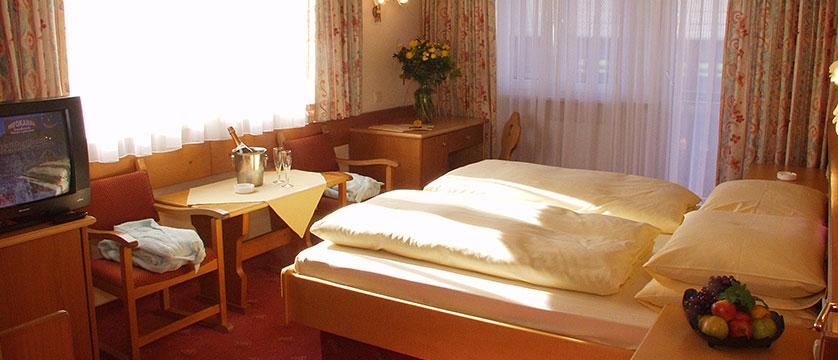 austria_hinterglemm_zur-dorfschmiede_bedroom.jpg